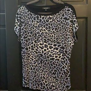 Ellen Tracy black blue cheetah T-shirt large